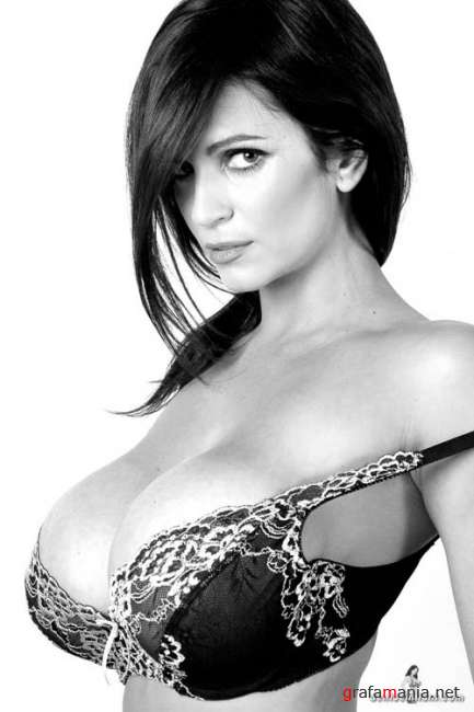Denise Milani - Black & White