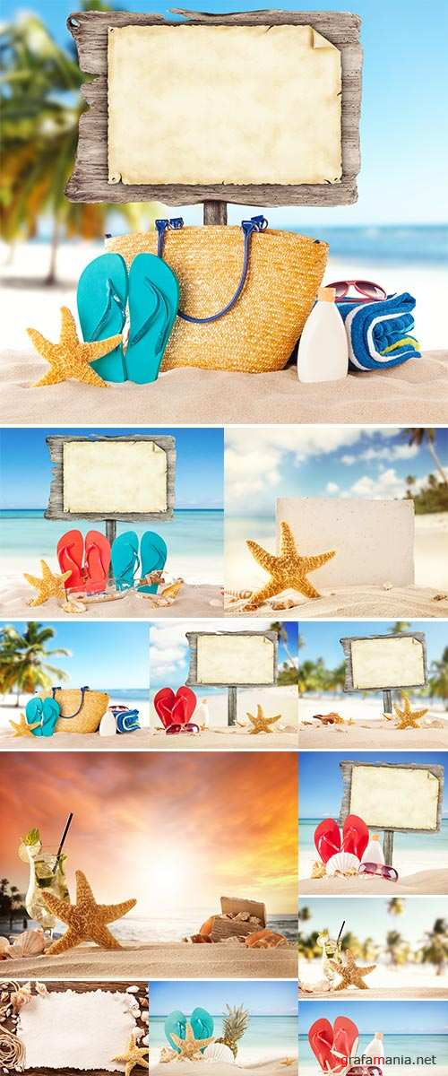 Summer beach with shells, stars and blank wooden poster - Stock Image